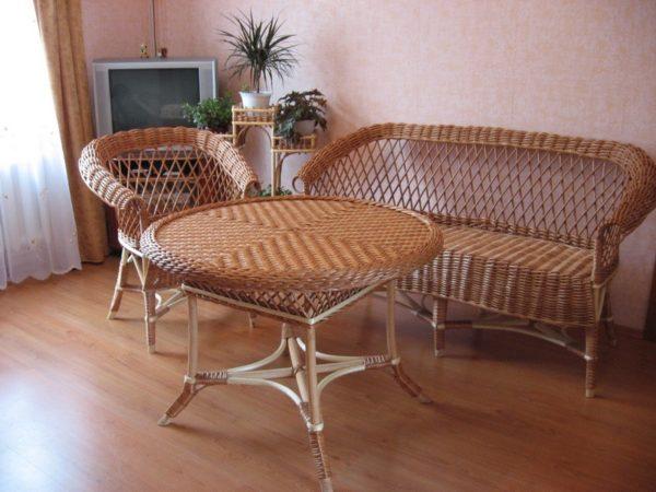 Комплект мебели стол, диван и кресло